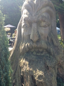 sculpted tree trunk, Caerleon
