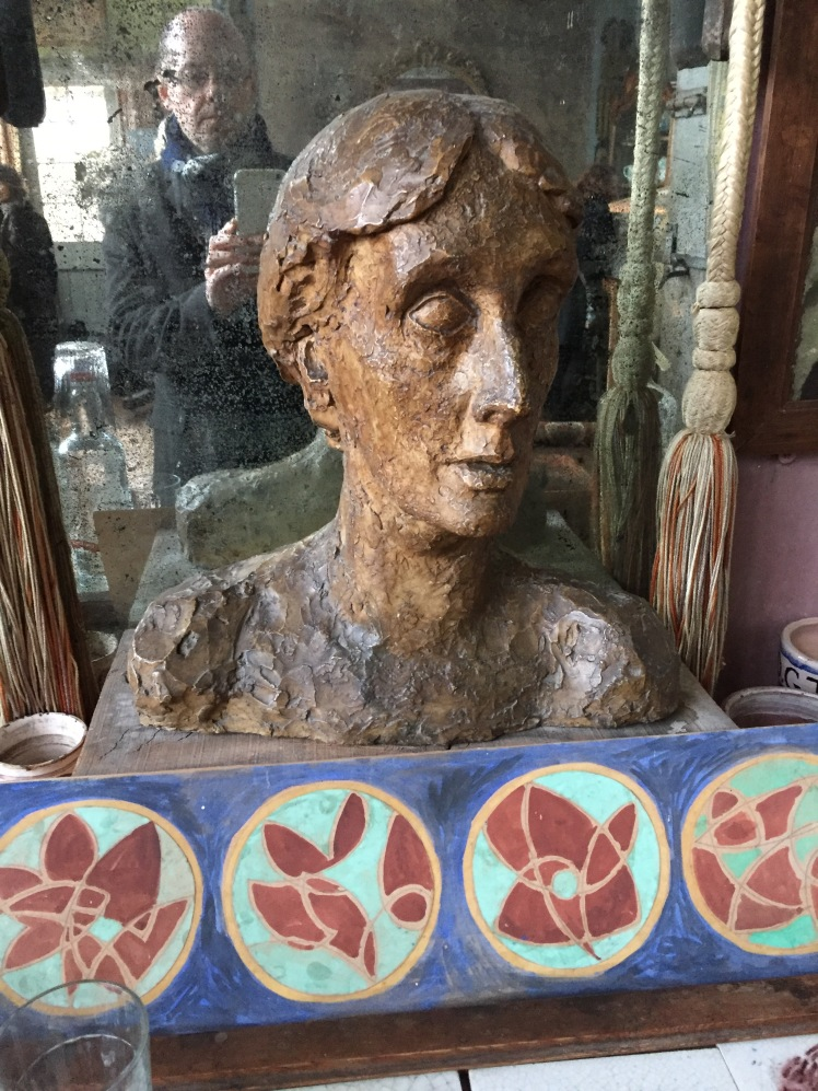Bust by Stephen Tomalin of Virginia Woolf at Charleston