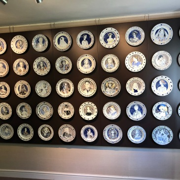 My snap of the famous women dinner service by Vanessa Bell and Duncan Grant on display at Piano Nobile